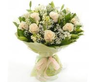 Букет из белой розы и лилии