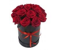 Красные голландские розы в чёрной коробке (15, 25, 35, 51)