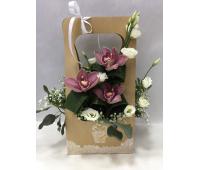 Сумочка с орхидеями и  лизиантусом