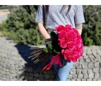 25 малиновых импортных роз Pink Floyd