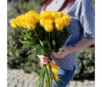 25 импортных жёлтых роз