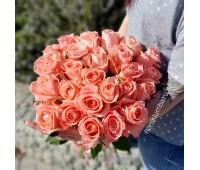 25 импортных розовых роз
