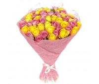 51 жёлтая и розовая роза