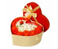Сердце из красных и белых роз (15 - 51 шт.)